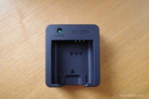 RICOH(リコー) GR3のバッテリー充電器(BJ-11)を買いました。特徴や使い方を紹介しま